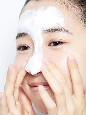 「オイリー混合肌」さんはバランスの良い洗顔料をチョイス
