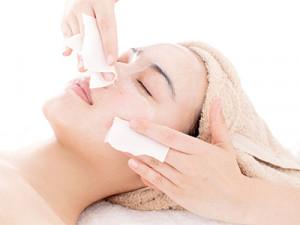女性の肌悩み「黒ずみ、汚れ、たるみ」…汚い肌をスッキリきれいに!