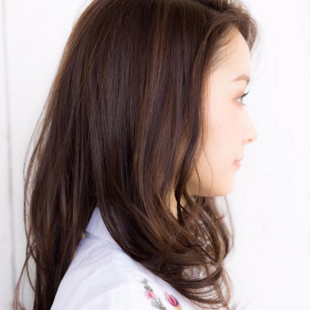 かき上げ前髪がこなれて見える鉄則スタイル