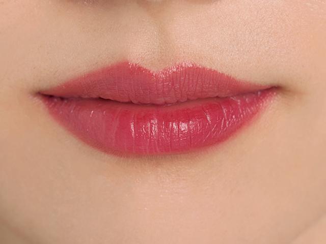 不健康そうな唇の血色感アップ
