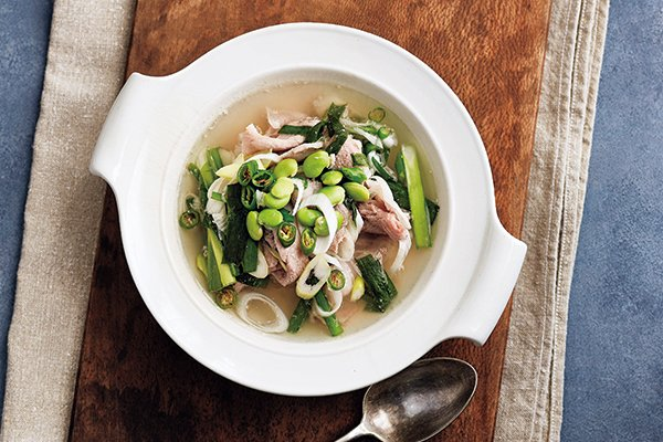 豚肉と枝豆と香味野菜のピリ辛スープ