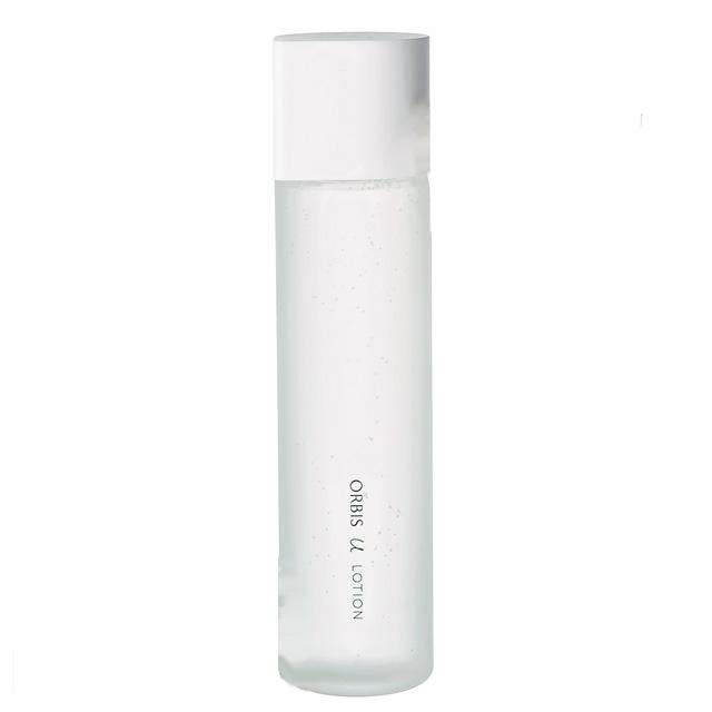 細胞まで潤いで満たす高保湿化粧水
