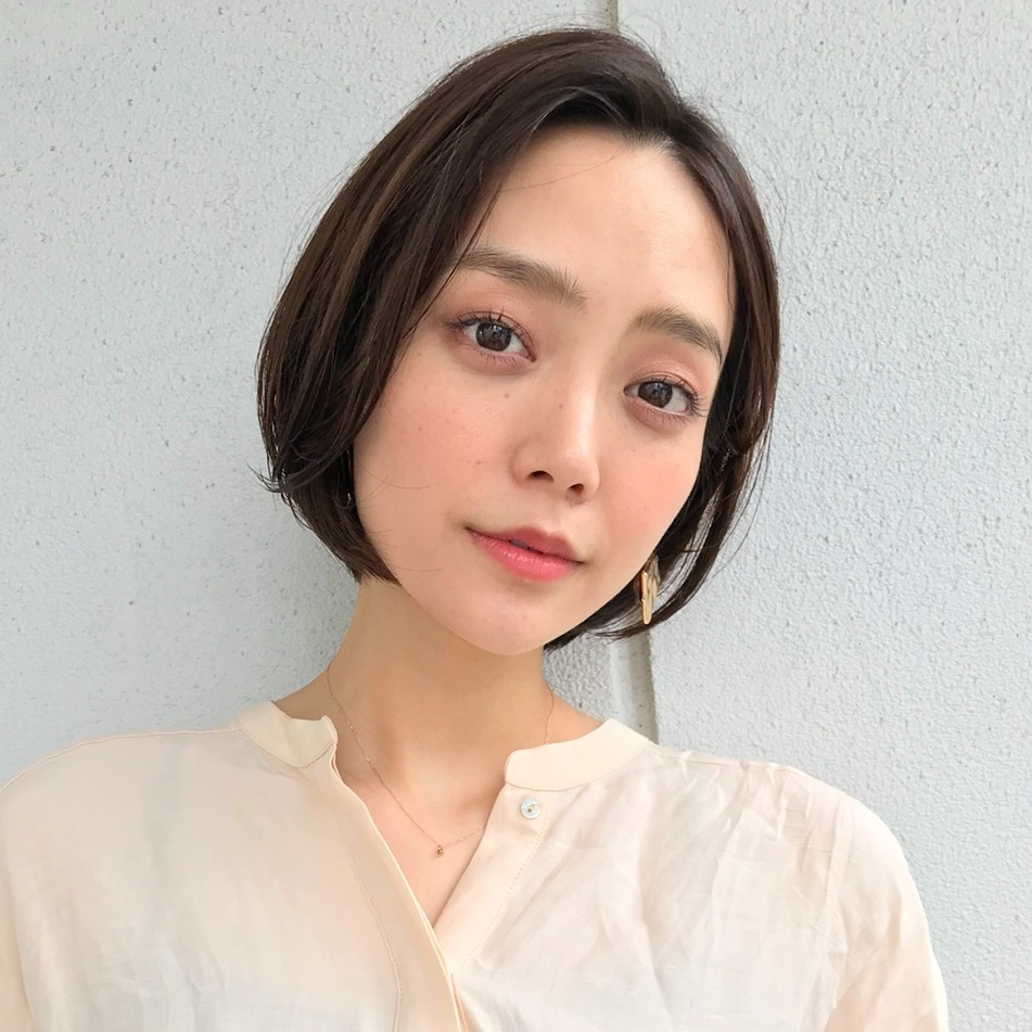"""【1】顎ラインスッキリ""""ひし形シルエット"""""""