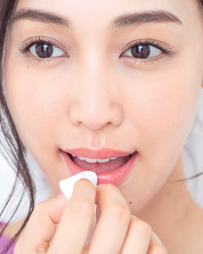脱・乾燥ガサガサ唇!ぷるぷる唇のためのリップケア