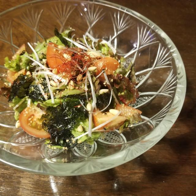 鉄分などミネラルたっぷり胡麻サラダ