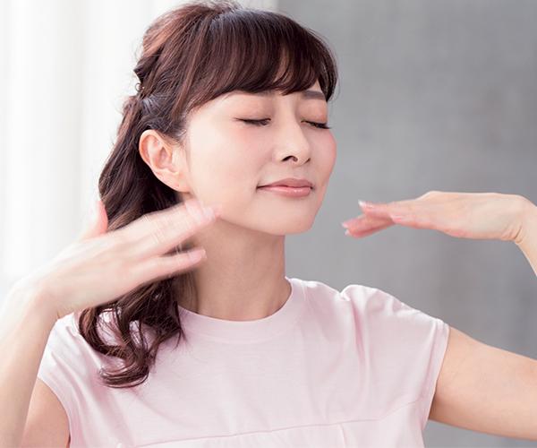 くすみがちな肌も透明感を。白肌キープ術