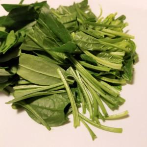 サラダほうれん草で美容&健康サラダ