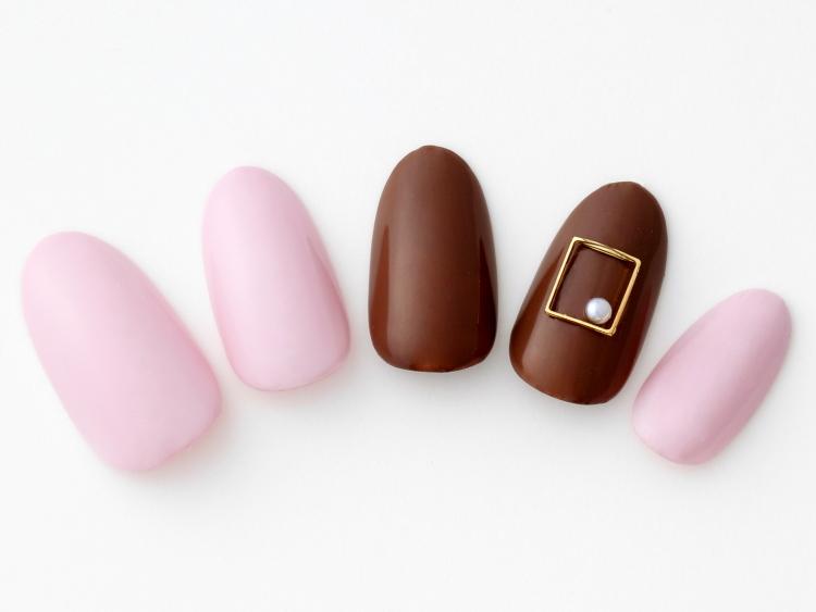 ピンク×チョコで王道バレンタインネイル