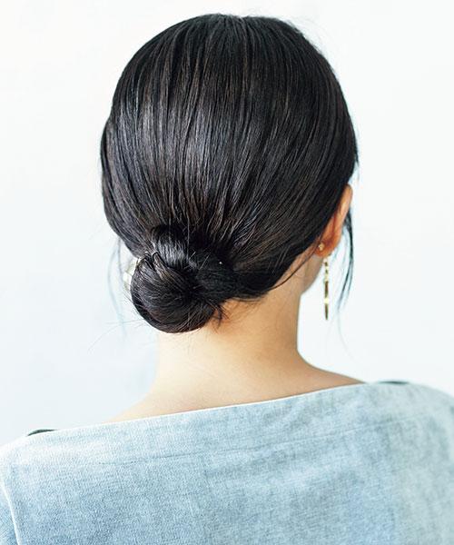 硬くてまとまりにくい髪の人はタイトシニヨン