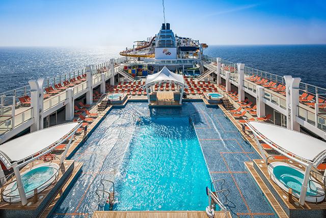 main-pool-deck_9