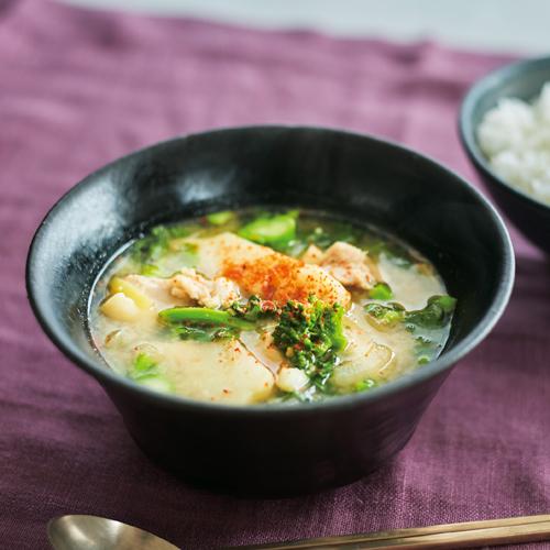 春野菜と鶏肉のピリ辛みそスープ