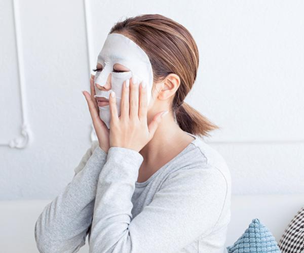 日焼けにニキビでボツボツ、気づいたら汚い肌に…代謝アップ&保湿で改善!