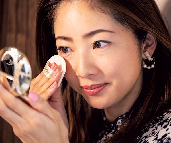 美容ディレクター原由記さんはお化粧直しに重宝