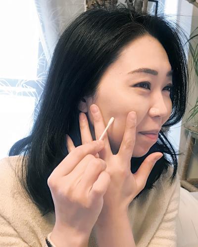 美容家のニキビ跡ケアは角質&美白ケア