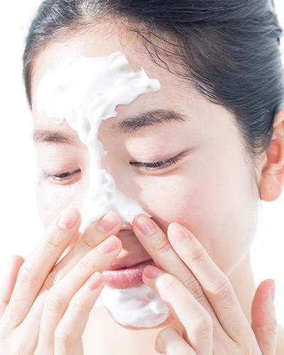 毛穴汚れフォーカス洗顔