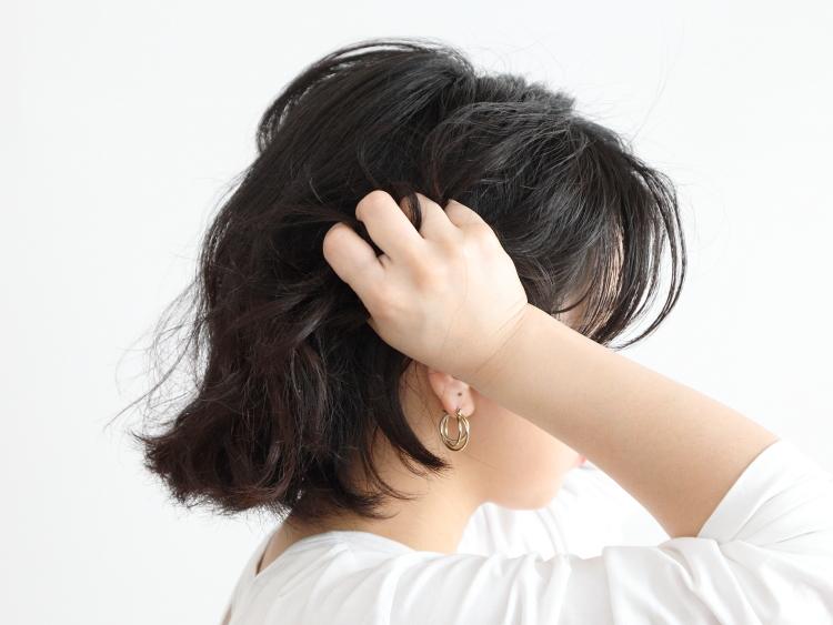 ツイスト前髪で顔周りすっきり