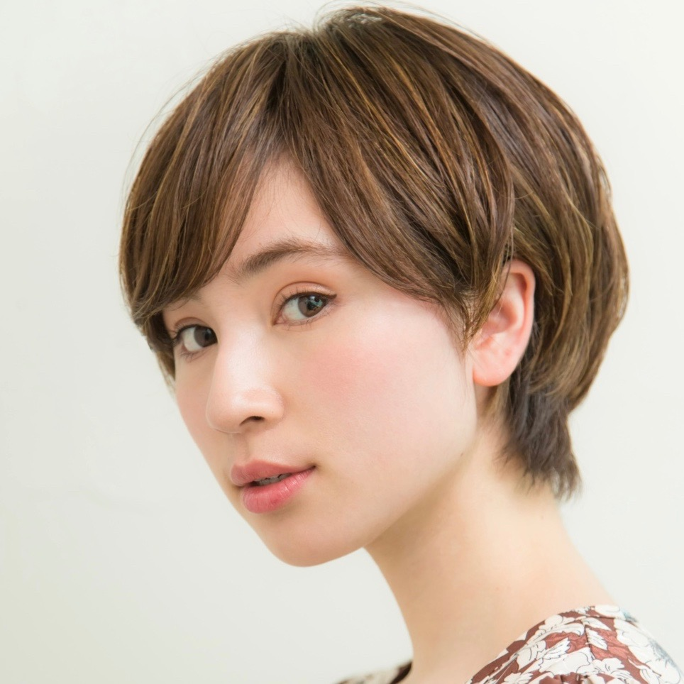 王道の下し前髪×ふんわりシルエット