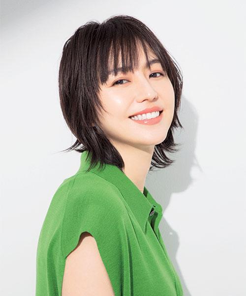 長澤まさみさんインタビュー|おばあちゃん直伝の美白テクニックで透明 ...