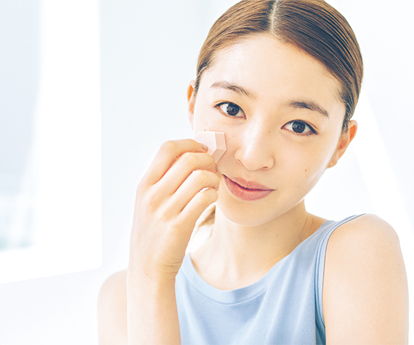 UV&テカリ防止下地で透明美肌に仕上げる