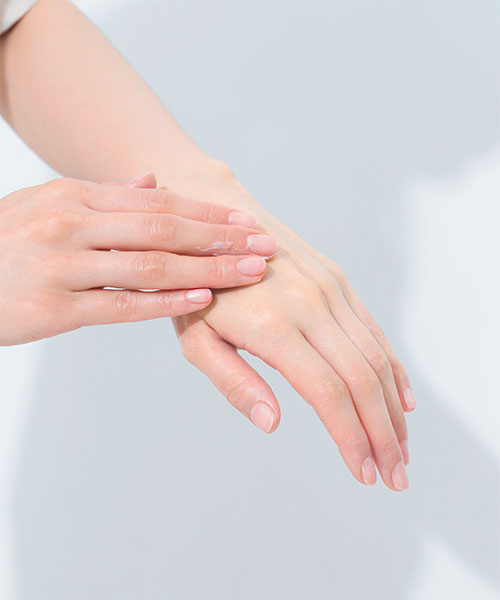 UVハンドクリームで焼けやすい手を守る