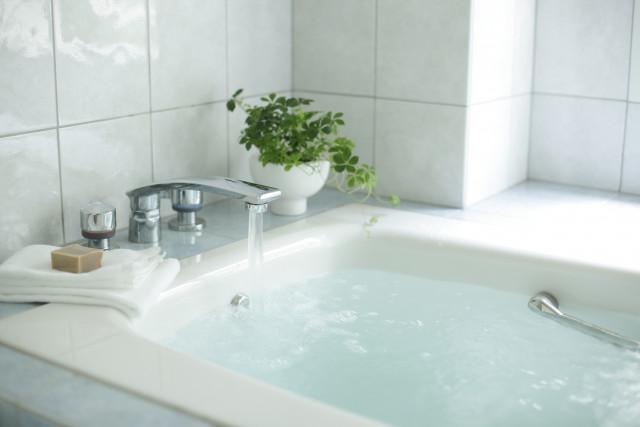 快眠やデトックスを助ける入浴剤の役割