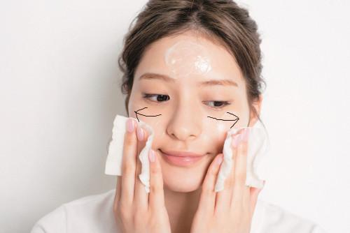 乾燥肌の朝晩の洗顔ポイント