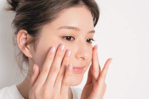 頬などにニキビが出来やすいテカテカインナードライ肌のおすすめケア