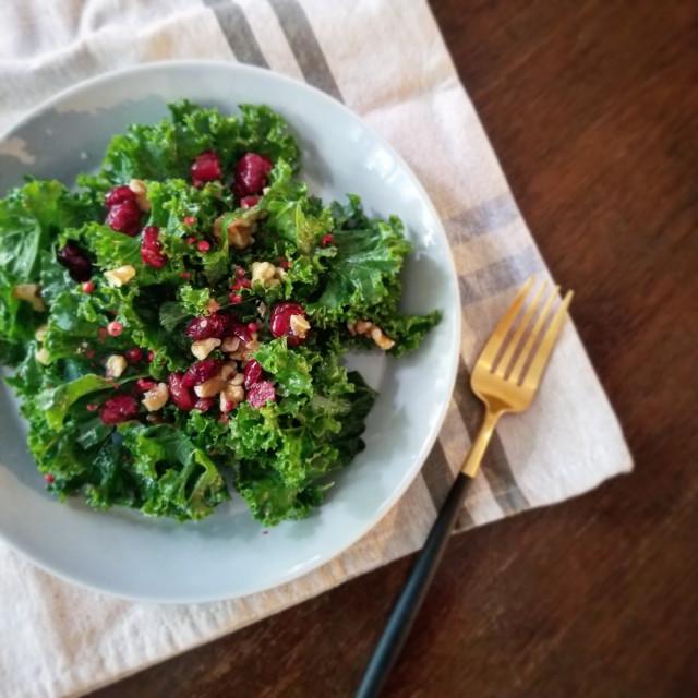 食べるUVケア「ケールとドライクランベリーのサラダ」