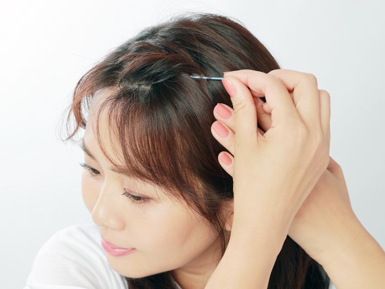 伸ばしかけ前髪をナチュラルにアップ