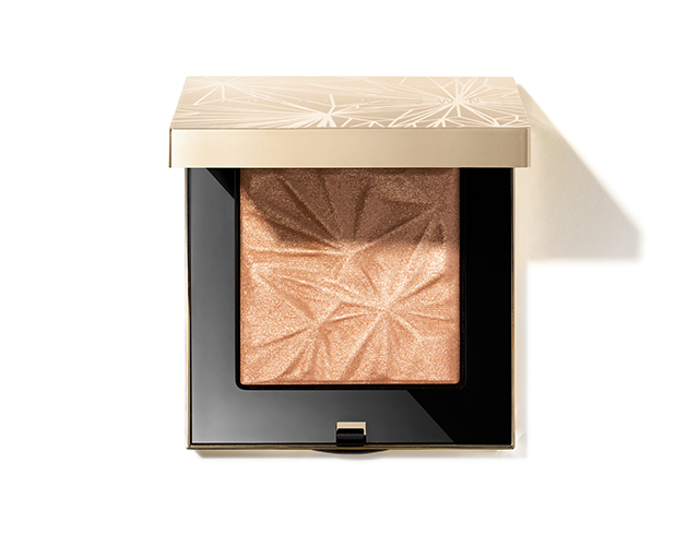 luxeilluminatingpowder_goldenhour_em73y9_4000x4000