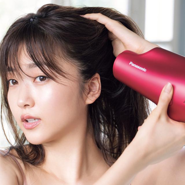 髪の乾燥を引き起こさないドライヤーでの乾かし方