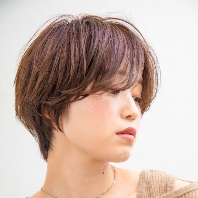 セミウェットな質感のニュアンスヘア