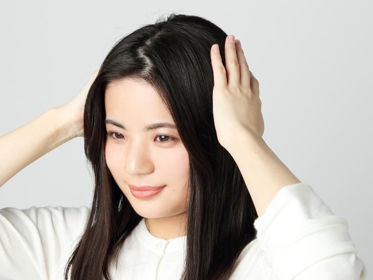 クセ毛で膨らみやすい髪の毛のスタイリングにも
