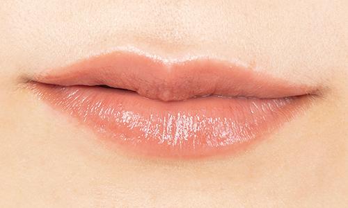 【ココ フラッシュ 56】赤みベージュでカジュアルなこなれ唇に