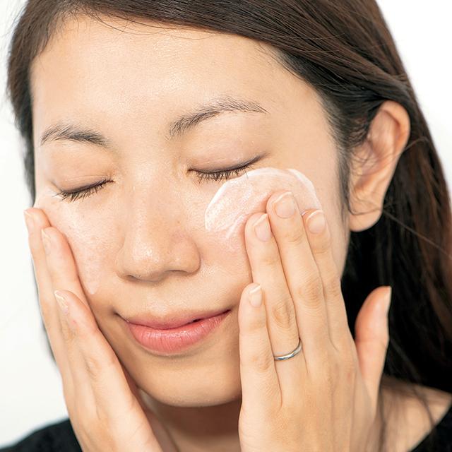 人気ヘア&メークが教えるアルビオン乳液の効果的な使い方