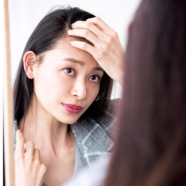 【1】まずは頭皮の状態をチェック!美髪を作るケアテクニック