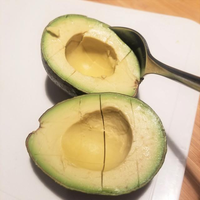 【食材2】豊富な栄養と濃厚食感!森のバター「アボカド」
