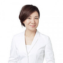 津田 攝子